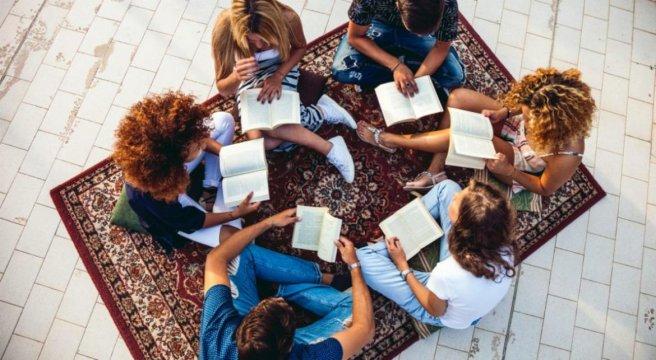 GRUPPI DI LETTURA: tra lettura condivisa e boicottaggio ideologico